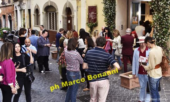 Area-Contesa-Arte_eventi_foto-gallery_five-rosso-scarlatto