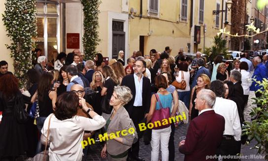 Area-Contesa-Arte_eventi_foto-gallery_one-rosso-scarlatto